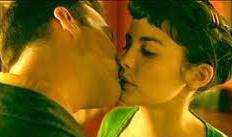 Amelie and Nino kiss