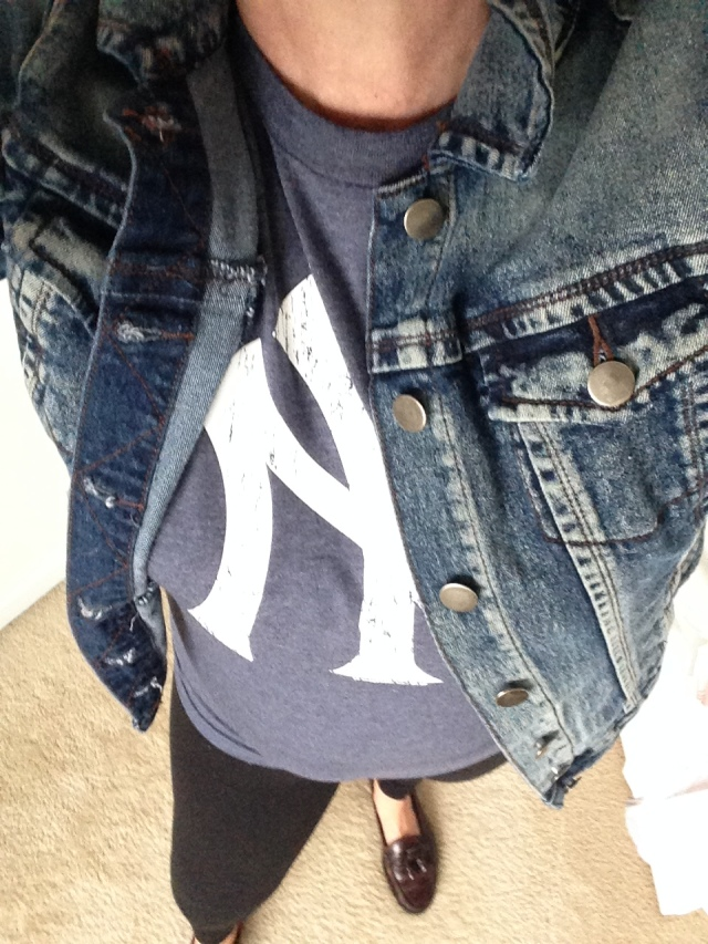 Complete Glamour Don't. Legging loafers t shirt denim jacket.