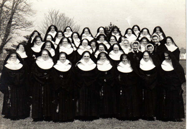 nuns-from-the-convent-of-mersey-kilrush-co-clare