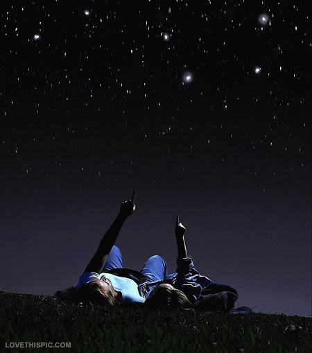 star_gazing_couple