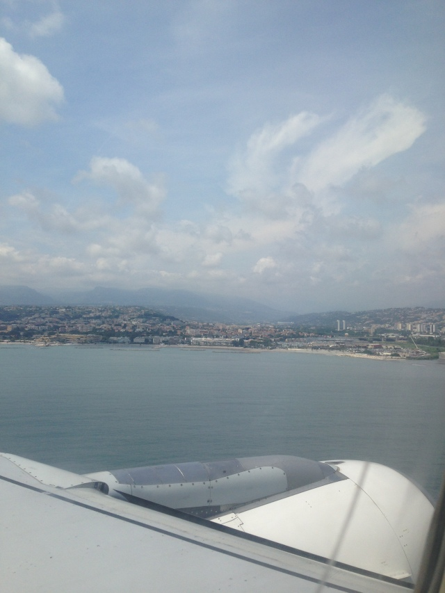 Cote' D'Azure. plane getting lower!