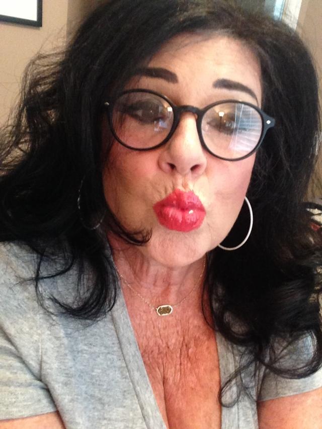 Kardashian selfie time!