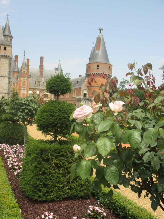 Maintenon. View of chateau with Roses in front.