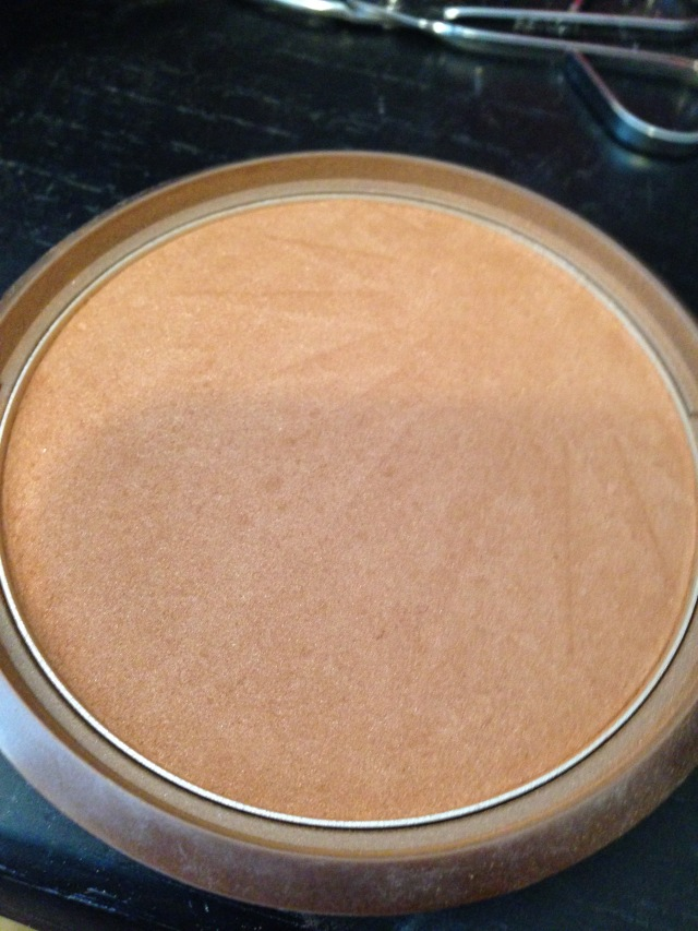 Wet n Wild Bronzer I'll use as contour.