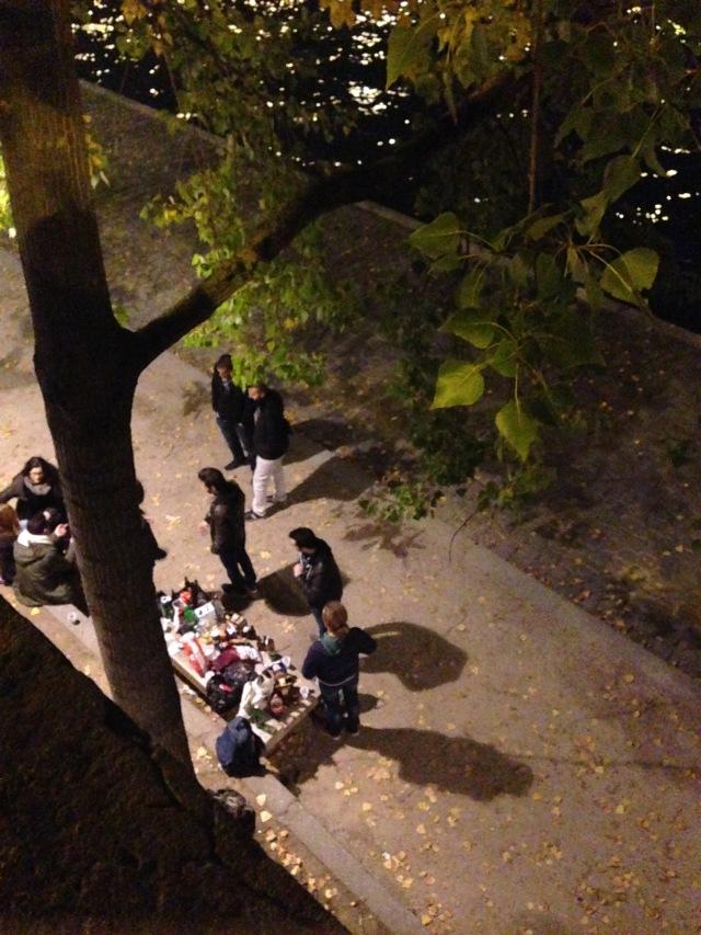 Outdoor dinner on the Seine
