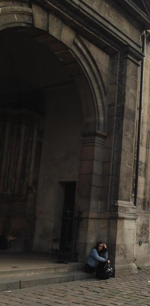 Paris. Iglise St. Germain. Waiting for God-ot