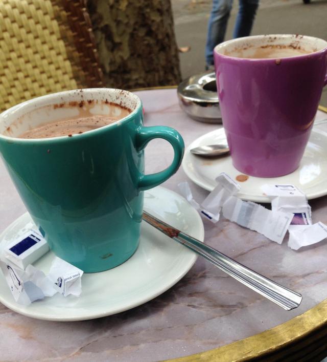 Paris. Place St. Michel. Chocolat Chaud
