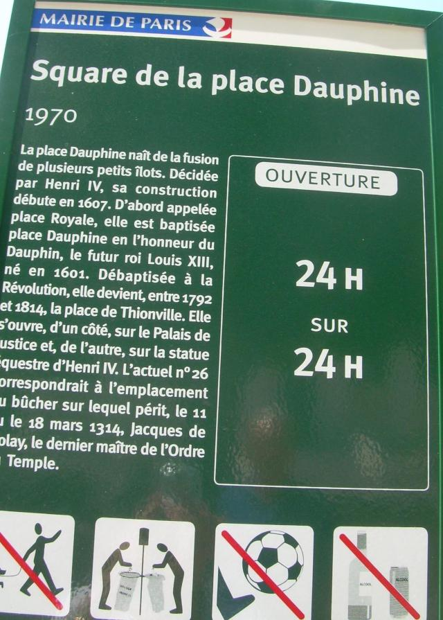 Paris. Sign. Place Dauphine
