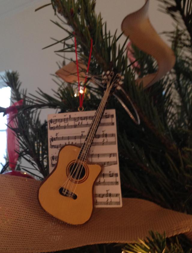 Ornament. Music and guitar for Roman