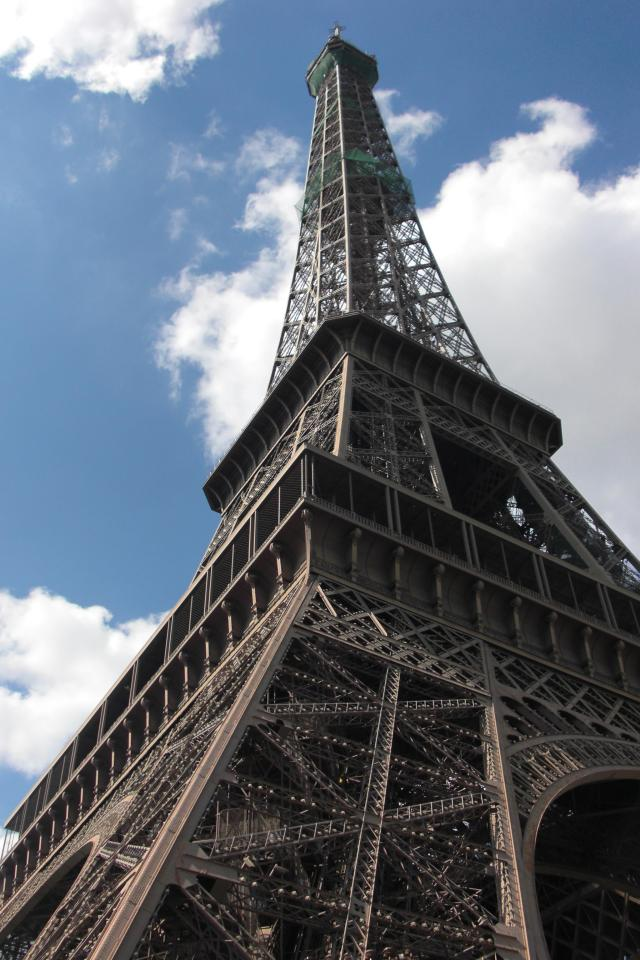 Close up eiffel