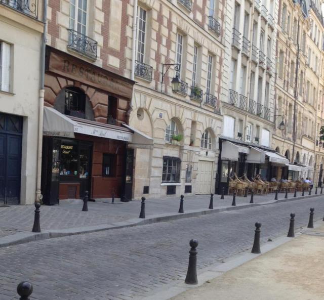 paris-place-dauphine-chez-paul-and-le-caveau-sunday-am-june-14-2015