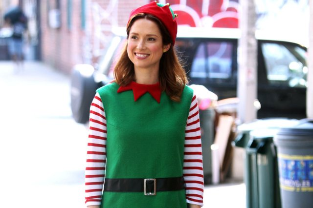 Ellie-Kemper-Elf-Unbreakable-Kimmy-Schmidt-Set