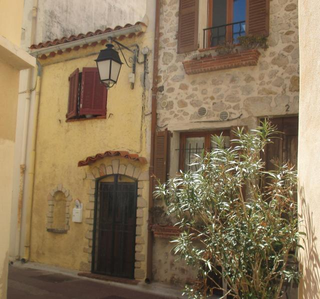 Antibes. Cute little house off the ramparts