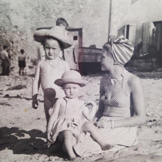 Bonaparte. Isabelle and Evie La Ponche St. Trop. 1947