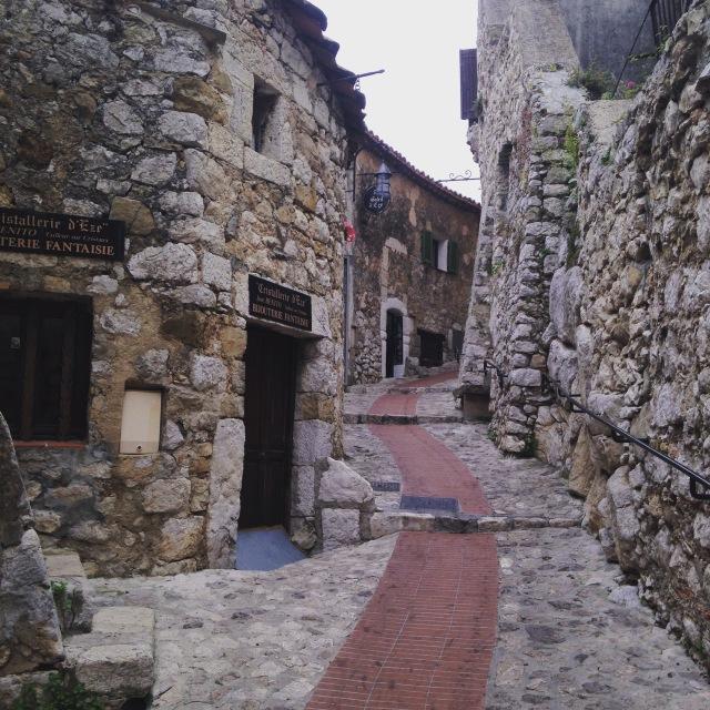 Eze little passageway