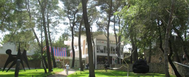 Fondation Maeght. Great view of gallery and garden