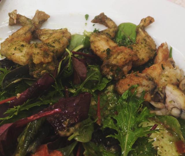 Food.  St. Tropez. La Ramade.  Frogs legs.