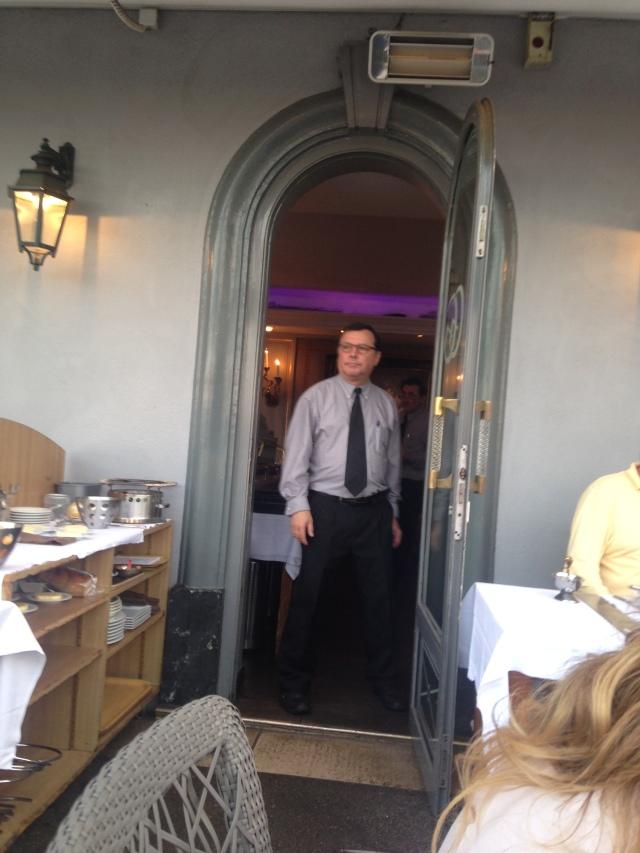 Gaston Gastounette waiter or maitre d