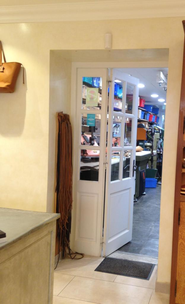 Shopping St. Tropez Rondini a peek into the studio