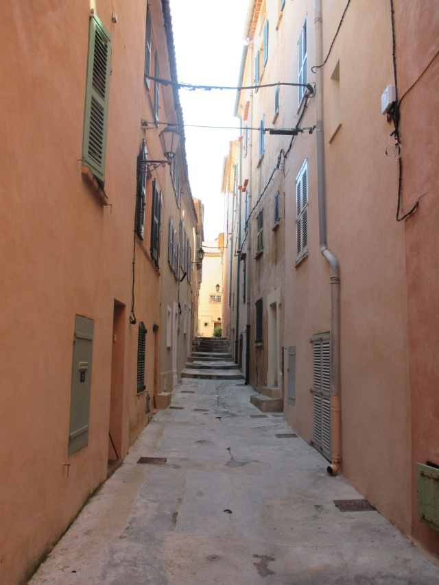 St. Tropez first visit. alley