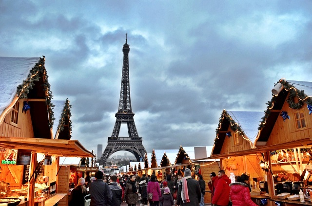 champs-elysees-christmas-market-paris-city-guide-mydesignweek