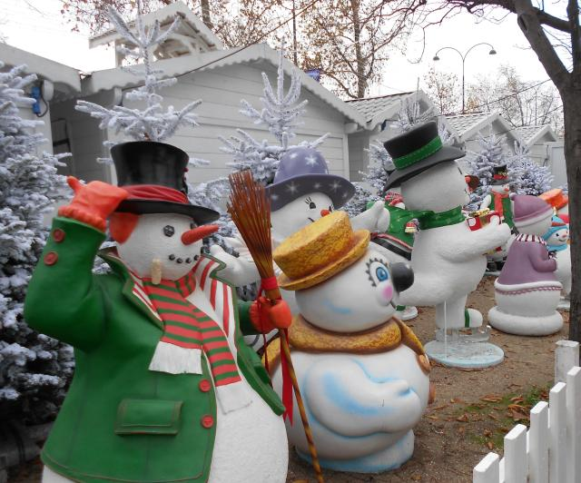 christmas-marche-french-snowmen
