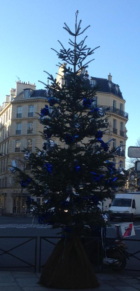 monday-christmas-tree-in-st-germain
