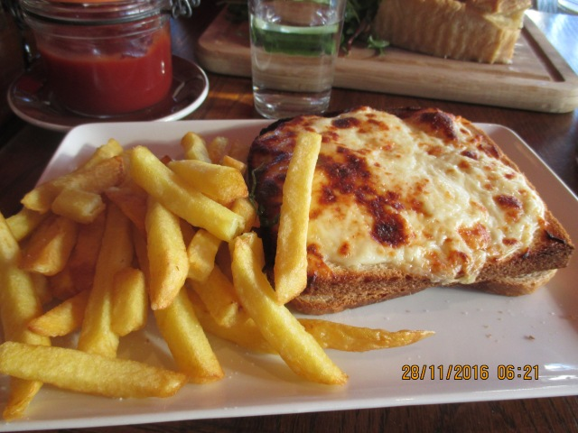 monday-lunch-croque-monsieur-and-frites