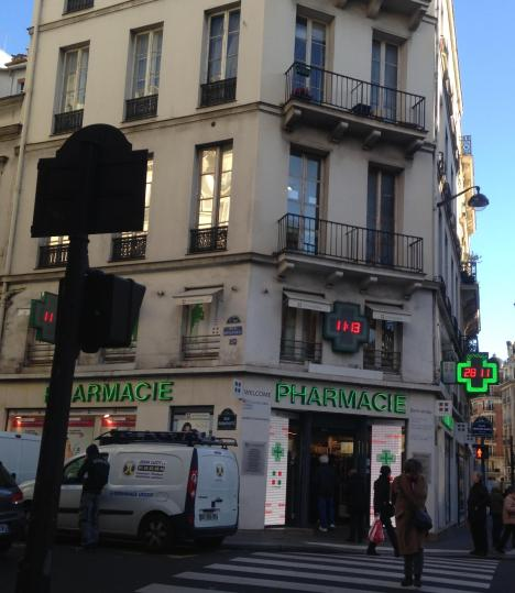 monday-rue-du-four-and-rue-bonaparte-city-pharma