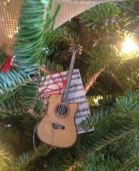 roman-ornament-guitar