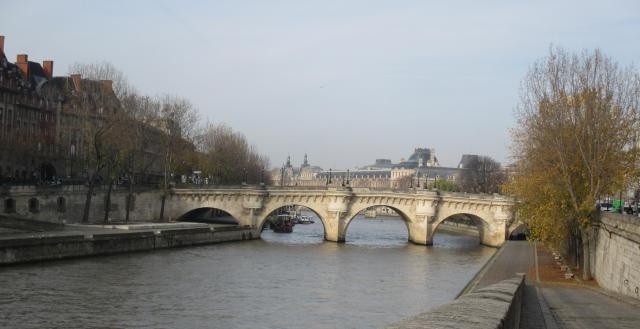 sunday-morning-pont-neuf