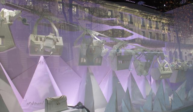tuesday-galeries-lafayette-window-2