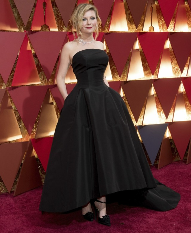 52327807 Celebrities attend the 89th Annual Academy Awards at Hollywood & Highland Center in Hollywood, California on  on February 26, 2017.  Celebrities attend the 89th Annual Academy Awards at Hollywood & Highland Center in Hollywood, California on February 26, 2017. Pictured: Kirsten Dunst FameFlynet, Inc - Beverly Hills, CA, USA - +1 (310) 505-9876 RESTRICTIONS APPLY: NO FRANCE