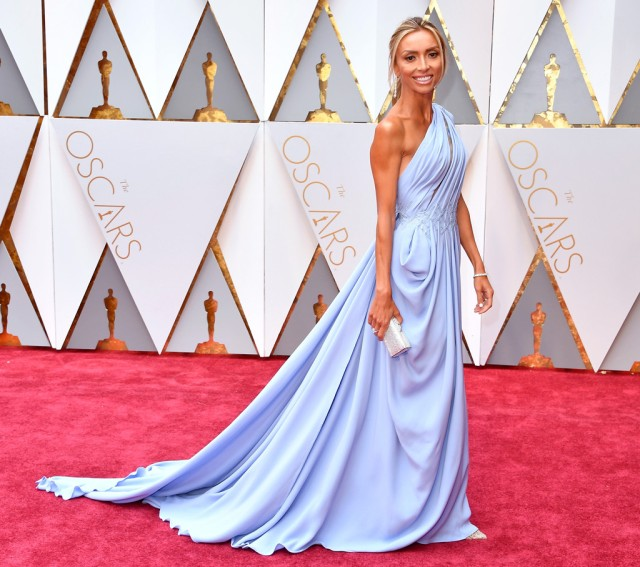 rs_1024x908-170226133434-1024-giuliana-rancic-2017-oscars-awards