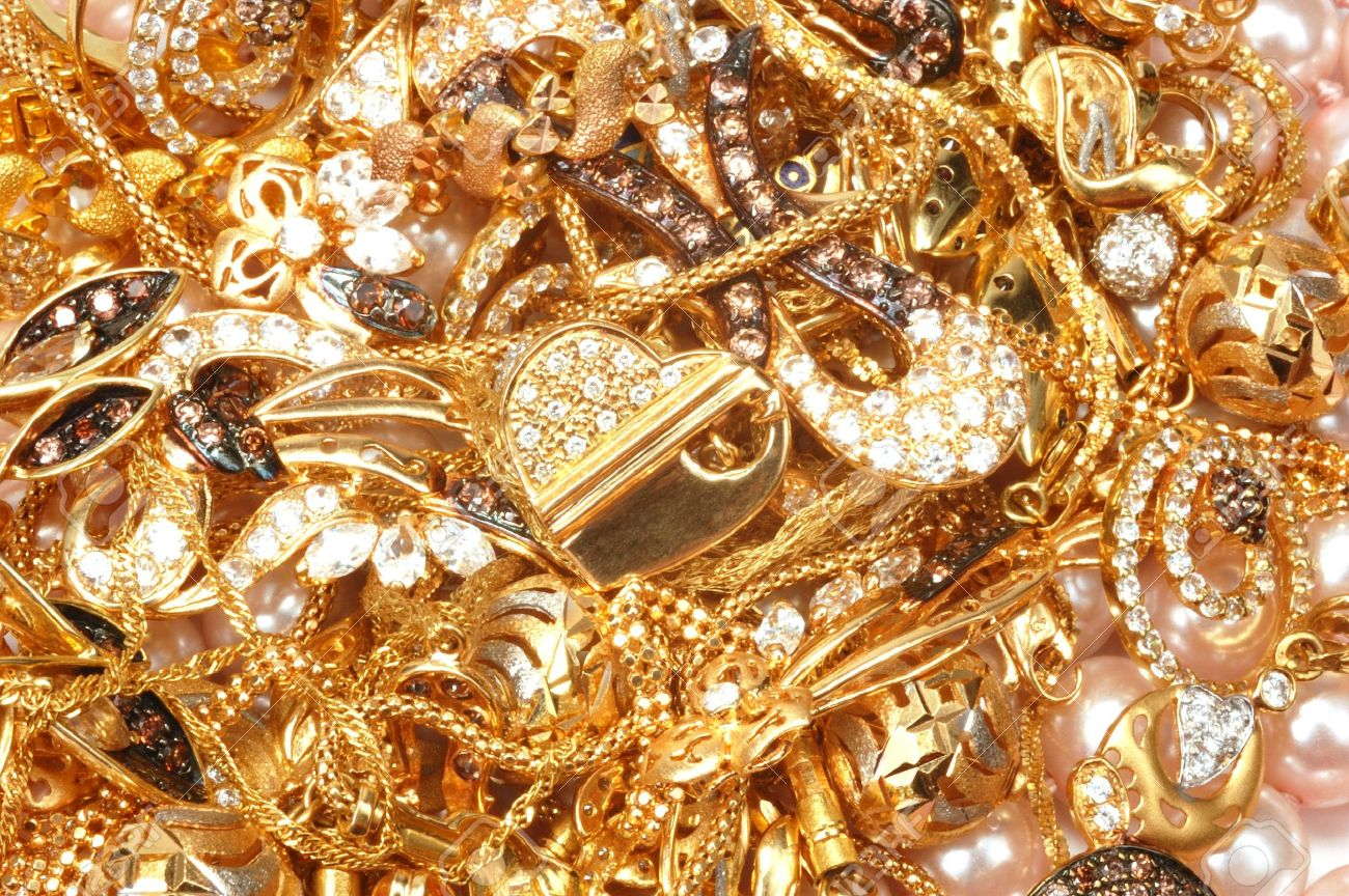 7401002 Mixed Yellow Gold Jewelry And Pearls Closeup Stock Photo