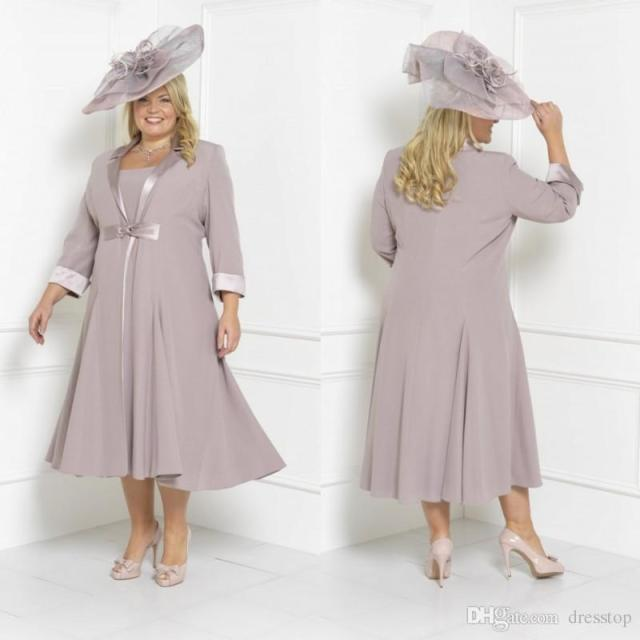 60046927be9 I suppose this is a Mother-of-the-Bride Kentucky Derby ensemble  Whatever  it is